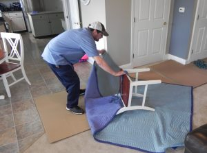 mover protecting furniture